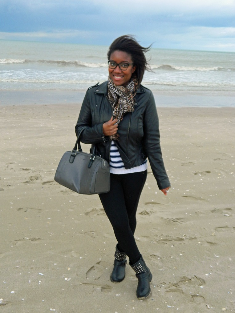 mpb-style-travels-week-end-girls-trip-deauville-plage- portrait-outfit-2