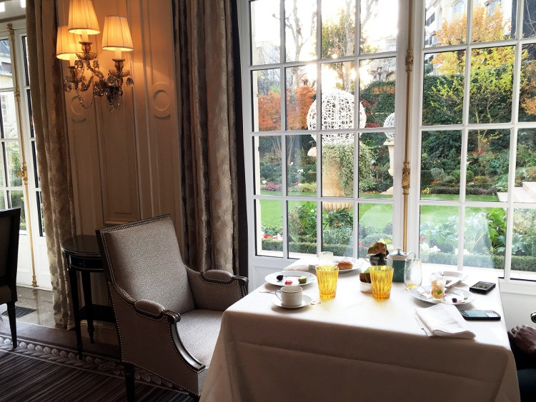 BRUNCH IN PARIS : La Bahaunina, Shangri Palace