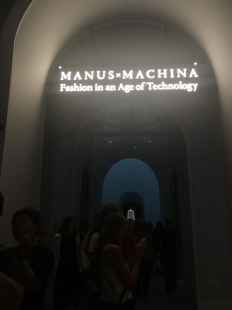 Manus x Machinus : Fashion in the age of Technology